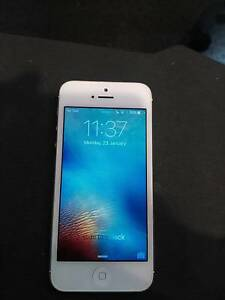 UNLOCKED Great Condition iPhone 5 32GB Wakerley Brisbane South East Preview