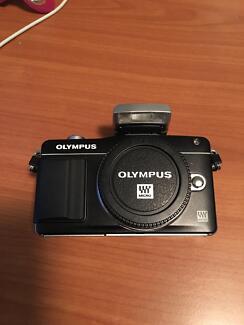 Olympus EM5  PM2    PL2 and Len M4/3 sale sale