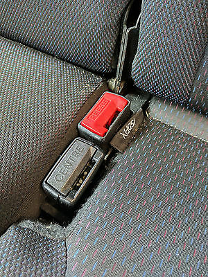 CLIO MK3 CENTRE DOUBLE REAR SEAT BELT BUCKLES BLACK & RED
