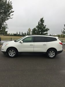 2011 Chevrolet Traverse 2LT for sale by owner