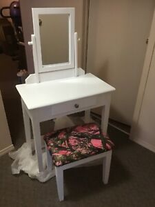 Makeup table for sale