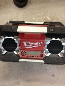 Radio de chantier Milwaukee 50$