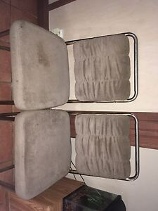 Dining table + 2 sets of 2 chairs London Ontario image 4