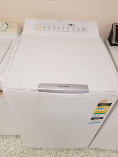 Electrolux 8Kg water aid top load washing machine EWT806
