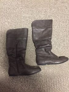 Kenneth Cole Reaction Kids Boots - Size 2 Girls