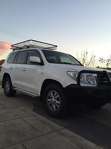 Toyota Land Cruiser GXL Twin Turbo Diesel V8 OPEN TO GENUINE OFFERS Adelaide CBD Adelaide City Preview