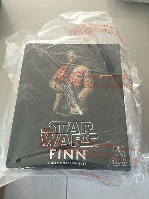 Star Wars Gentle Giant Finn bust