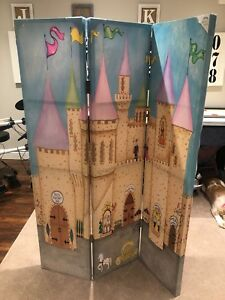 Princess room divider on canvas