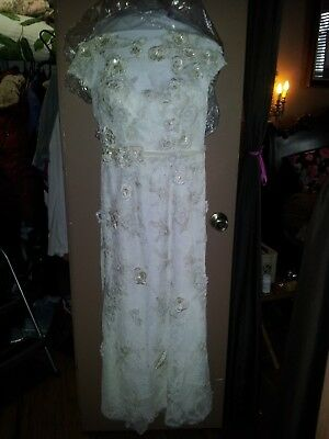 MELISSA SWEET WEDDING DRESS AND VEIL ...VINTAGE LACE STYLE..BEAUTIFUL...