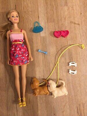 Barbie - Dog Walking Set - 10 items Bundle
