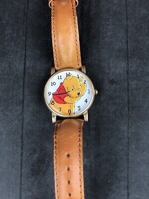 Vintage 1980's Disney Winnie the Pooh Analog Watch w/new battery - Works Great