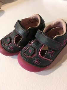 Girl size 3.5 stride rite leather shoes