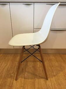 Eames Replica Dining Chairs Monash Tuggeranong Preview
