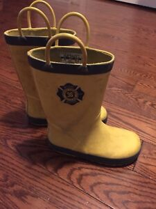 Boys rubber boots, size 10 toddler