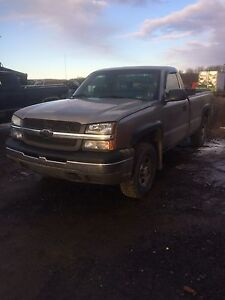 2003 Chevrolet Silverado - Parting out