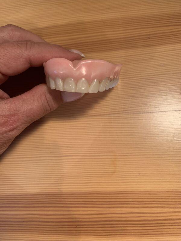 Vintage 14-Tooth Full Upper Denture False Fake Joke Teeth Gag Prop Gift Old VTG