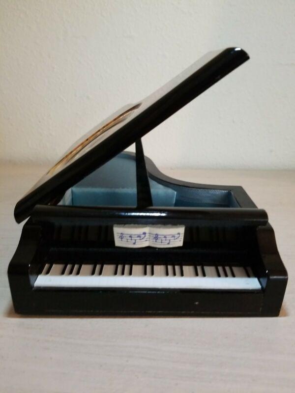 Vintage Wooden Piano Music Box Grand Piano Chopin Tristesse Music Box. Works