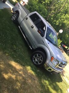 2013 F-150 XLT in almost perfect condition