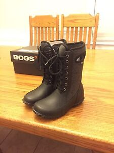 New Girls Bogs Size 12 REDUCED