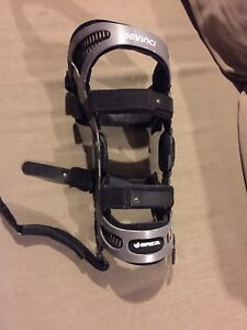 Bregs fusion right knee brace, cash or trades