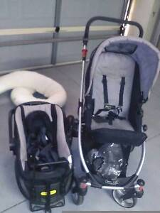 """STEELCRAFT """"CRUISER"""" PRAM AND CAPSULE AT A STEAL PRICE Ridgewood Wanneroo Area Preview"""