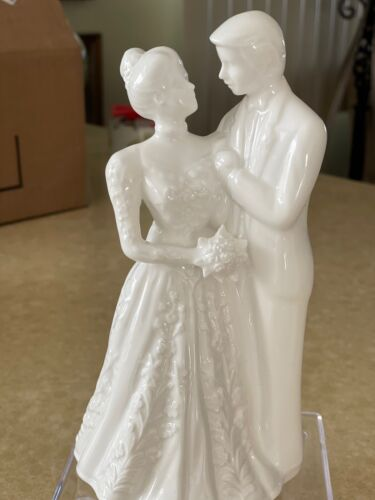 """LENOX Wedding Promises Collection Bride and Groom 7"""" Cake Topper 1992"""