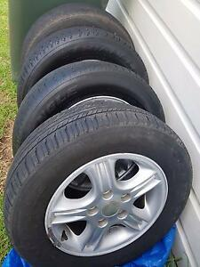 Commodore tyres with rims Inverell Inverell Area Preview