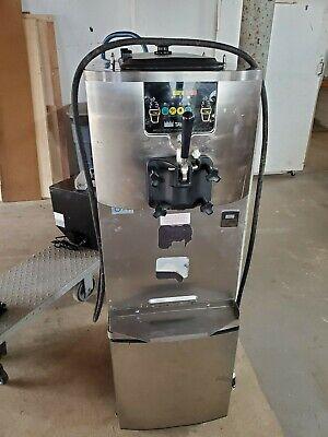 Taylor Crown C707-33 Soft Serve Icecreamfrozen Yogurt Machine. Great Machine