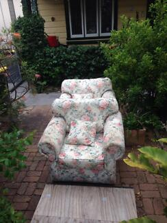 2 second hand arm chairs Brighton-le-sands Rockdale Area Preview