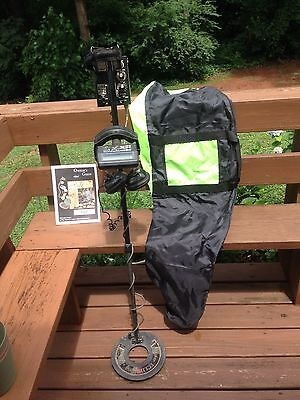 White's MXT E Series Detector, Headphones, Owner's Manual, Carry bag and more.