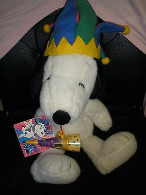 """""""IT'S SNOOPY TIME AT MACY'S"""" MILLENNIUM STUFFED SNOOPY WITH TAG, NOISEMAKER, ETC"""