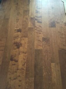 NEW UNPACKAGED HARDWOOD FLOOR FOR SALE