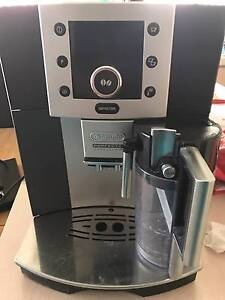 Delonghi perfecta one touch coffee machine Port Kennedy Rockingham Area Preview