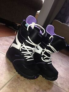 Selling women's snowboard accessories