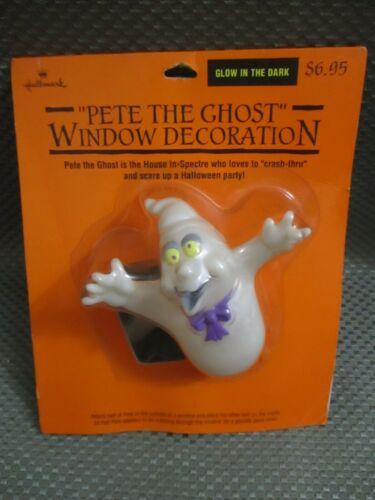 "Halloween ""Pete the Ghost"" window decoration"