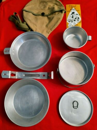 VTG OFFICIAL BOY SCOUTS OF AMERICA BSA 7 PIECE MESS/COOK KIT W/CLOTH BAG, STRAP