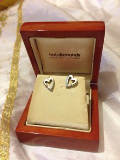 Stirling silver 925 & diamond stud earrings never worn  Largs Bay Port Adelaide Area Preview