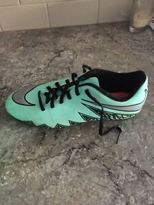 Nike soccer cleats 6Y boys-paid 130