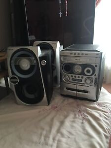 Philips 3CD Stereo System