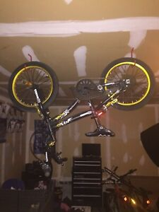 Kids stunt bike great condition