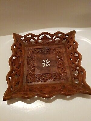 Vintage Hand Carved Wooden Decorative Bowl/Dish (DC)