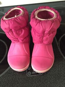 Crocs toddler winter boots - size 7