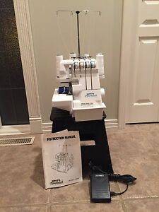 Serger - White Speedylock 4 Thread