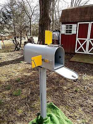 Mail Alert Flag Made In Usa   Fits All Mailboxes  Mailbox Not Included  Freeship