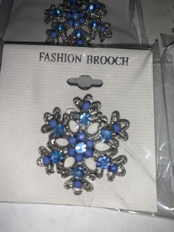 Lot Of Jewelry/ Broaches  Crafters Dream Lot Of 12