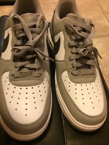 Nike Air Force 1 Men's 10.5 **Brand New Never Worn**