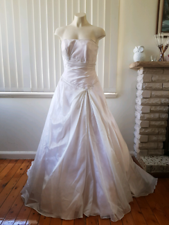 Wedding gown Peter Trends New Size 10