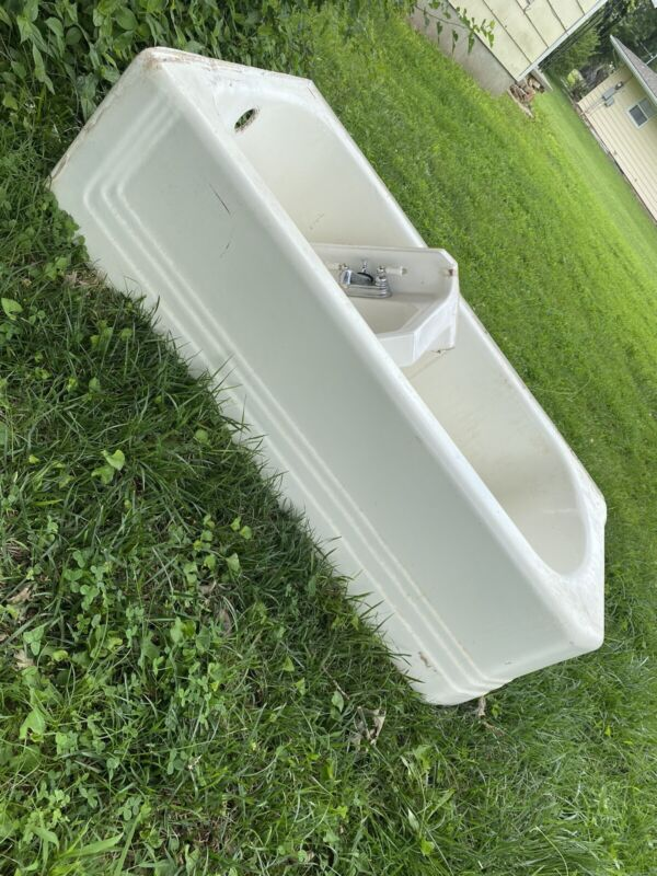 VINTAGE HEAVY CAST IRON BATH TUB WITH MATCHING SINK