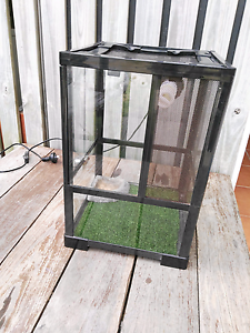 Reptile Enclosure - sold pending pick up Labrador Gold Coast City Preview