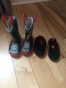 Size 5 toddler water shoes and rain boot